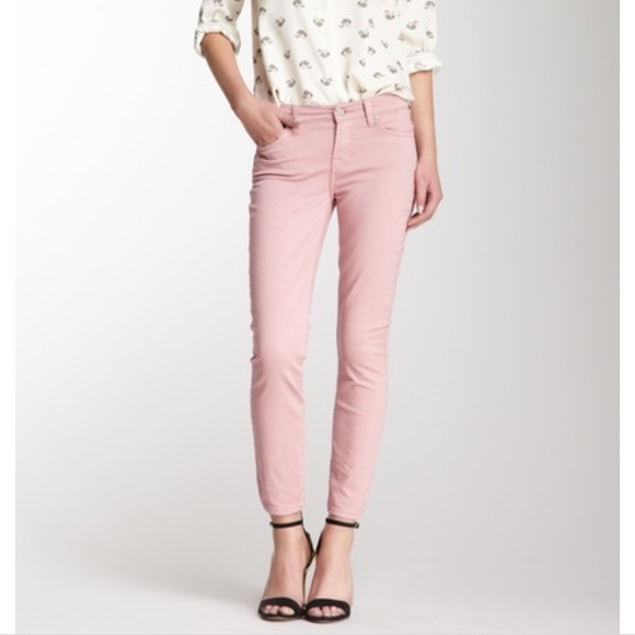 f3a6c164226 7 For All Mankind Denim - 7FAM Cropped Gwenevere Skinny Jeans in Blush